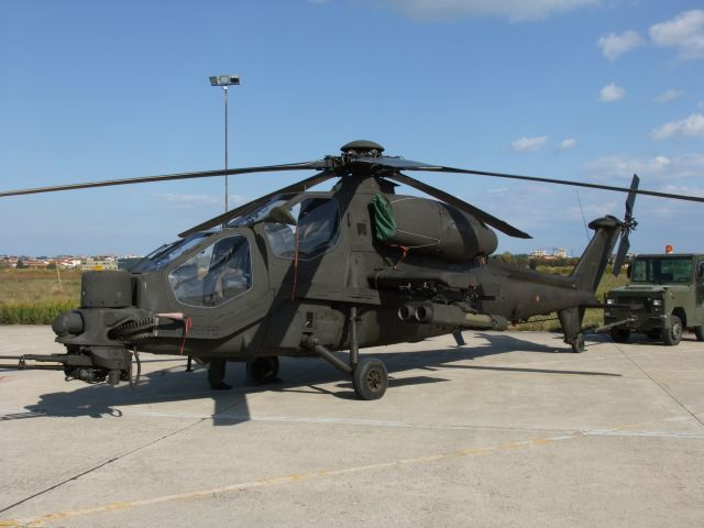 Elicottero Mangusta : Amc associazione modellisti chiaravallesi eventi